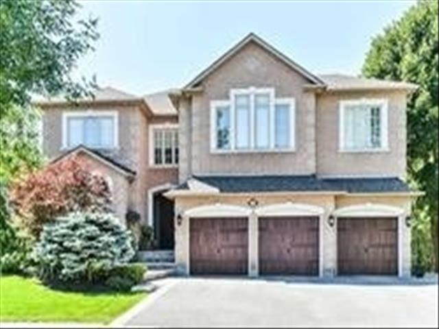 56 Carlyle Cres
