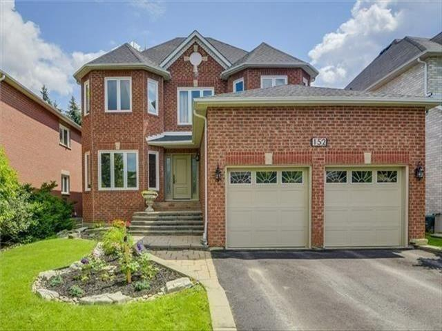 152 Carlyle Cres